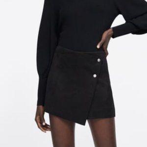 Zara Black Faux Suede Skort Sz Small